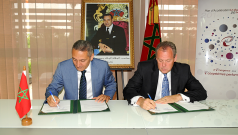 Signature de la convention d'investissement avec l'américain Eaton à Casablanca, le 16 juin 2014