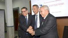 Cérémonie de signature de 3 contrats de performance relatifs aux écosystèmes textiles à Rabat, le 24 février 2015